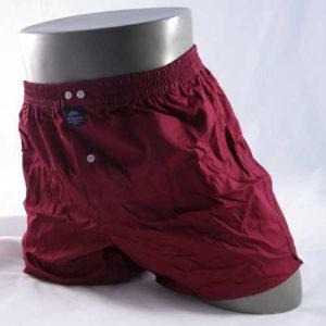 wijde, effen rode boxershort van het merk McAlson.