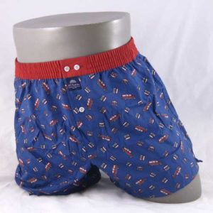 wijde boxershort van het merk McAlson bedrukt met dubbeldekkers.