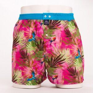 wijde, katoenen boxershort van het merk McAlson bedrukt met ara's en palmbladeren